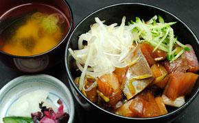 ぶつぎり丼 … 980円