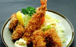 お好み盛り合わせ定食 … 2,055円