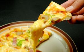 あんぐる定番のミックスピザ … 1,000円