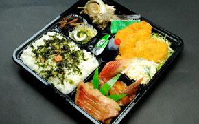 金目煮魚・ヒレカツ弁当… 1,000円