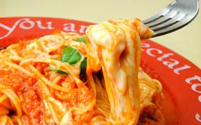 トマトとモッツァレラ … 1,200円
