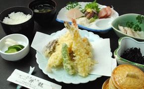 天ぷらとお刺身 ... 2,420円