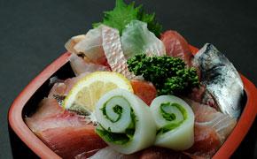 地魚丼 … 2,200円