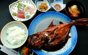 煮魚とおさしみでお食事 ... 2,750円