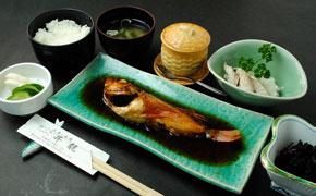 煮魚定食(竹)… 1,680円
