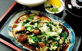 レバニラ炒め定食 850円