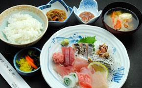 お刺身でお食事 … 1,650円
