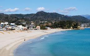 700m続く美しく広大な白い砂浜