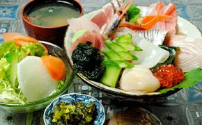 海鮮丼 ... 2,000円
