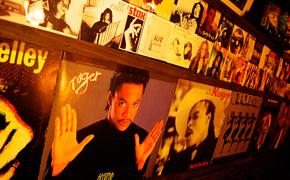 土佐屋にあるレコードの数は50,000枚以上!