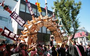 太鼓祭の見所のひとつ「太鼓橋」