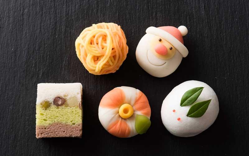 お茶会でもよく使われるというロロ黒船の生菓子。上質なあんこと四季折々の細工が楽しめる一品です。<季節の上生菓子>各260円。