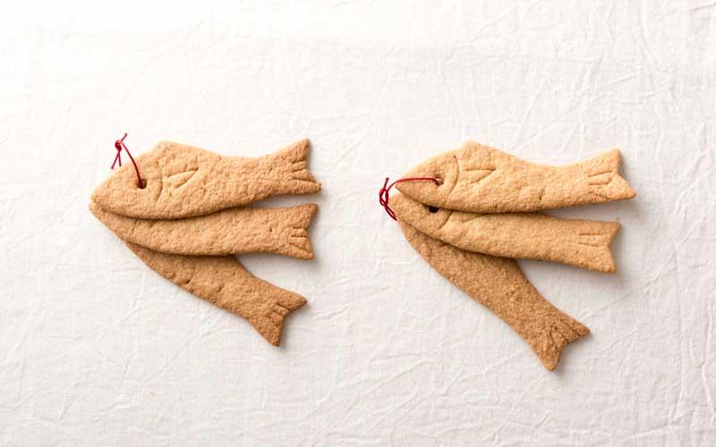 下田でとれた若布を入れた<めざしクッキー>。9枚入り550円。パリッとした食感と、ほのかに漂う磯の香り。下田土産にぴったりなひとしなです。