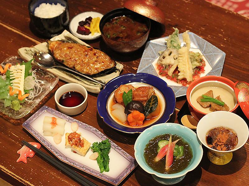 コース料理5,000円(税別)