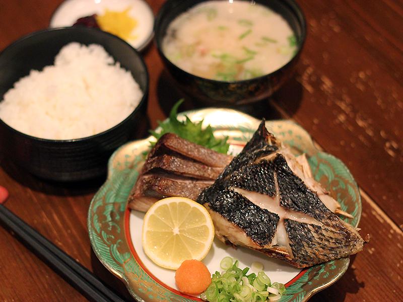 焼魚定食2,000円(税別)